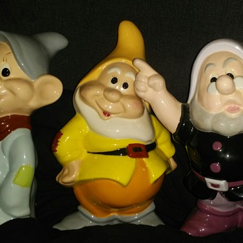 1985 Snow White And The Seven Dwarfs Ceramic Statues