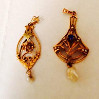 Antique Gold Lavaliere  pendants