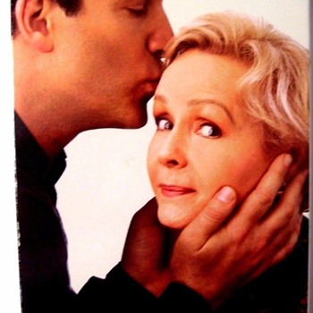 """MOTHER""1999  ALFRED BROOKS AND DEBBIE REYNOLDS KNOW HOW TO PUSH EACH-OTHERS BUTTONS. - Movies"