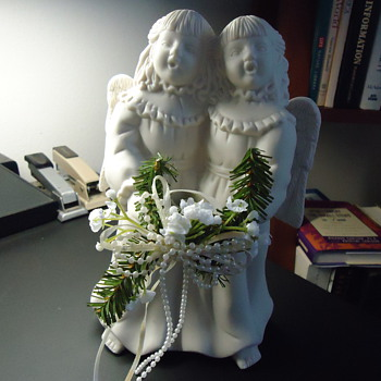 A PAIR OF CHRISTMAS ANGELS - Christmas