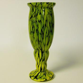 Frank Welz Vertical line Spatter Glass Vase, Circa 1930