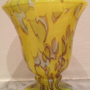 Zingy acid yellow Deco urn