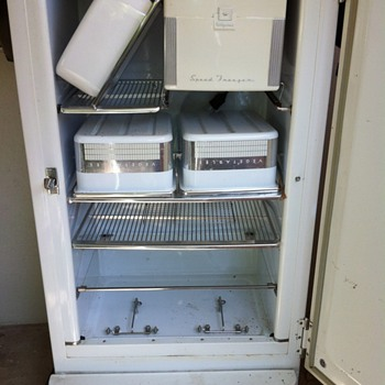 Antique Hotpoint Refrigerator 1940's or 1950's Great Shape no rust and Works-- - Kitchen