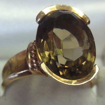 Vintage 18 K gold Smokey Topaz ring