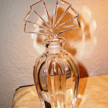 What a Gorgeous Crystal Perfume Decanter bottle - Bottles