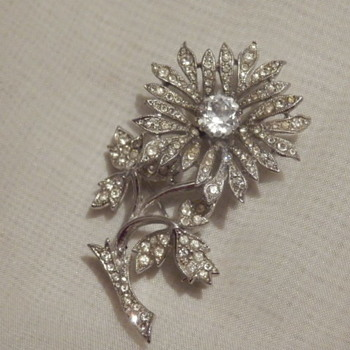 Pure sparkle tremblant rhinestone flower brooch - Costume Jewelry