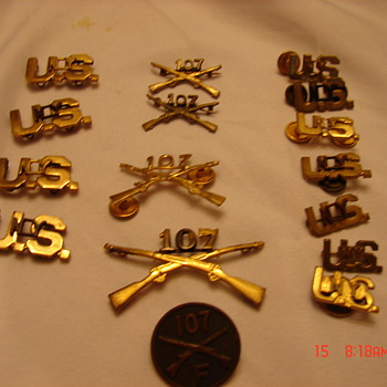 Army 107th NY Insignias Pins - Military and Wartime