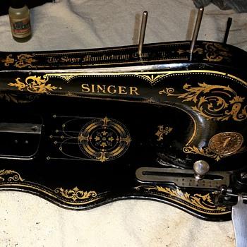 """1889 Singer 13 """"fiddlebase"""" Industrial Treadle"""
