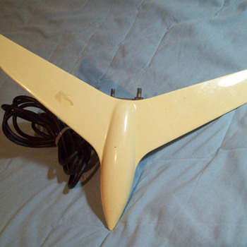 VINTAGE RV / TRAVEL TRALIER TV ANTENNA AIRPLANE STYLE