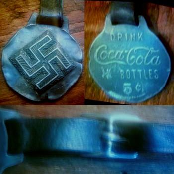 Coca cola swastika ae22 medallion - Coca-Cola
