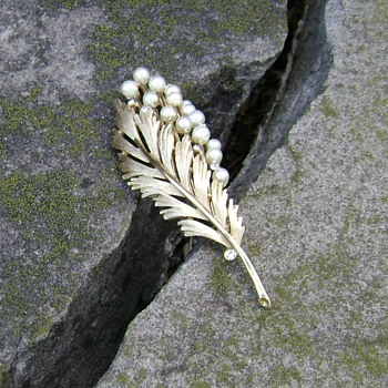 Trifari Brooch