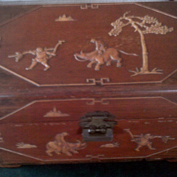 Chinese  carved  storage box or Urn - Asian