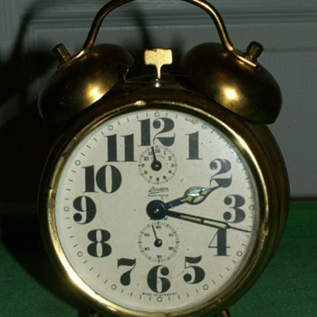 Antique/Vintage Linden Blackforest Alarm Clock ~ Germany - Clocks