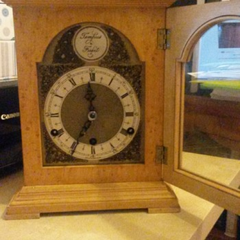 Rapid Ticking Westminster Chime Clock