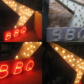 Vintage 1970's BBQ BARBEQUE Antique Neon Sign & Bulb Lit ARROW - Signs