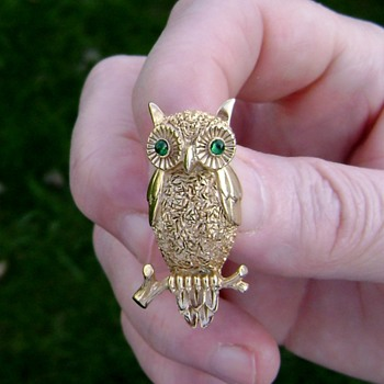 Vintage Trifari Owl Brooch - Costume Jewelry