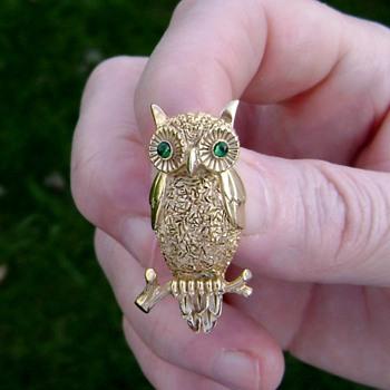 Vintage Trifari Owl Brooch