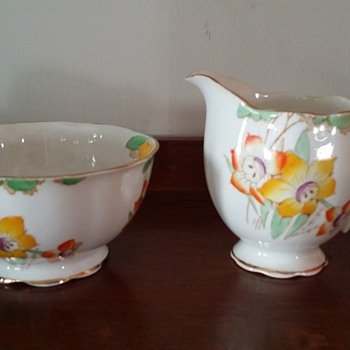 "Royal Albert ""Daffodil"" Sugar Bowl and Creamer Set"