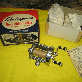 Shakespeare 1956 True Blue Level-Wind Casting Reel - Fishing