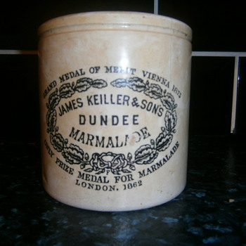 marmalade pot - Art Pottery