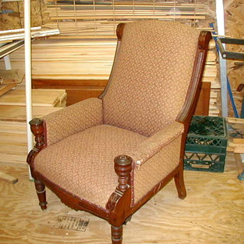 my mom's old recliner ??? - Furniture