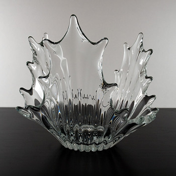 "#25 Three Sided ""Splash"" Bowl by Cofrac - Art Glass"