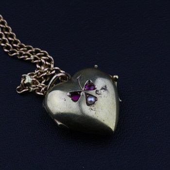 Victorian 14K heart locket