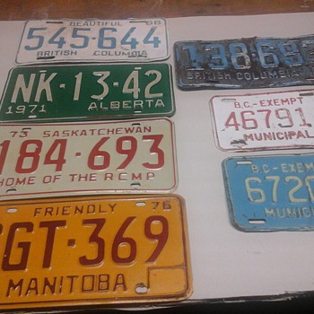 Vintage Canadian provincial license plates. - Signs