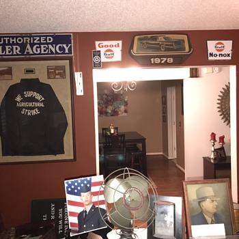 Happy New Year!!! 1930's Gulf Authorized Dealer Agency porcelain sign and updated photos of office:) - Petroliana