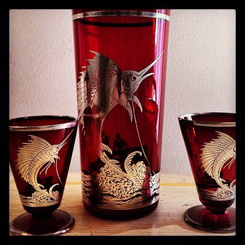 1920-1930 Ruby glass cocktail shaker with sailfish motif  - Kitchen