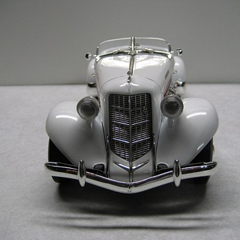 1935 Auburn 851 Speedster Die-cast - Model Cars
