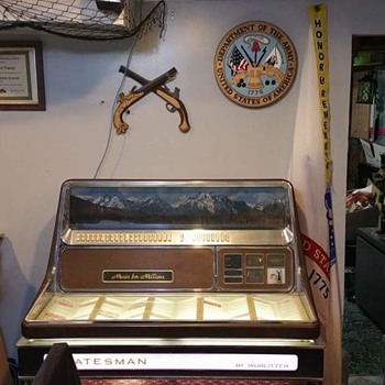 Wurlitzer 3460 Statesman Jukebox