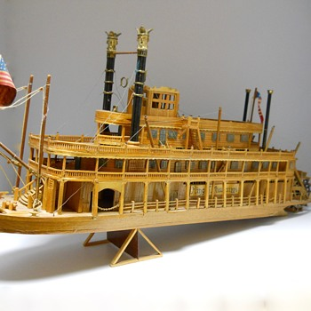 "SteamBoat, Wood Model""King of Mississippi"" Circa 20 Century"