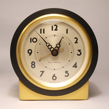 "Seth Thomas ""Tabor"" 1E Shelf Clock"