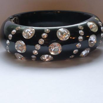 Vintage bracelet - Costume Jewelry