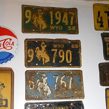Vintage Wyoming License Plates - Classic Cars