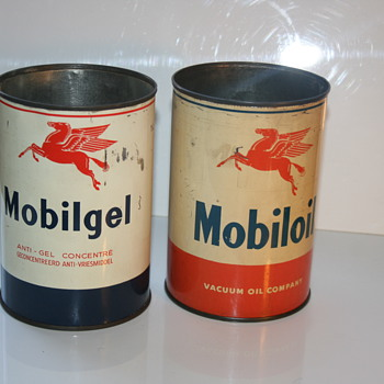 mobiloil oil can - Petroliana