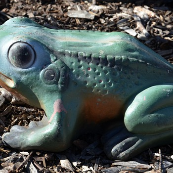 Signed Garden Ornament of a Frog - Al&#039;s Garden Art - Animals