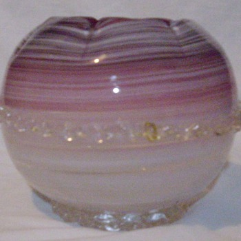 Cranberry rose bowl. - Art Glass