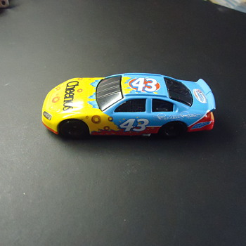 43 CHEERIOS TOY CAR