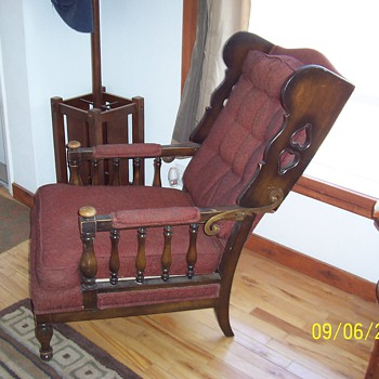 Reclining yard sale find. What is it? Who made it? - Furniture
