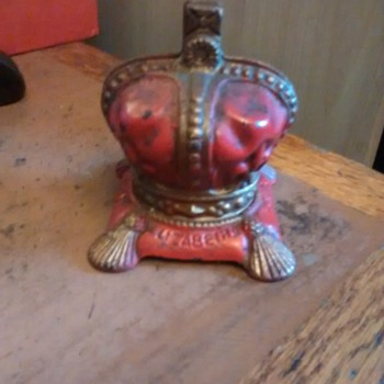 Elizabeth II Coronation June 2nd 1953 Crown metal moneybox a collectors tourist piece.