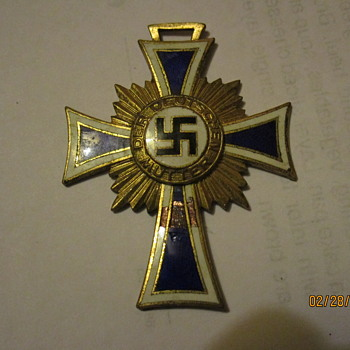 NAZI PARTY MOTHERS MEDAL.