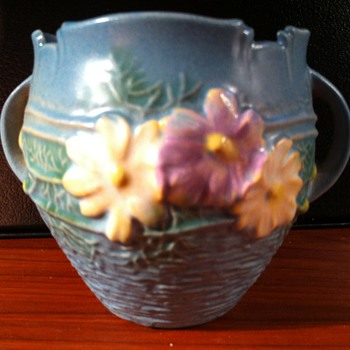 Roseville Cosmos vase - Art Pottery