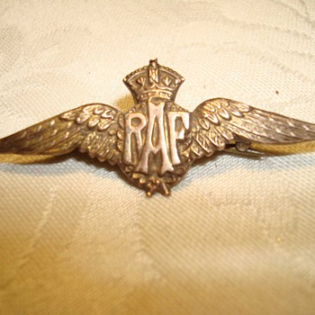 World War I Gold RAF Wing Sweetheart Pin