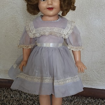 "Vintage 16"" Shirley Temple Doll (Ideal Doll ST-19)"