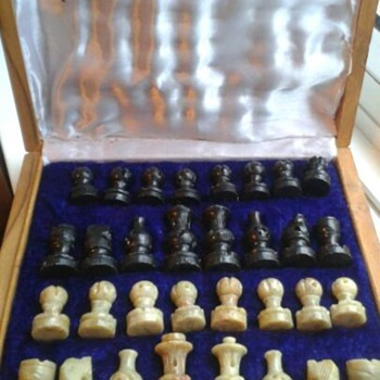 Antique chess set (part 1) - Games