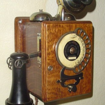 AE Strowger wall phone - Telephones