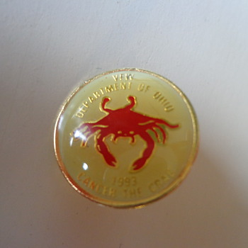 Vintage 1993 Cancer the Crab Pin