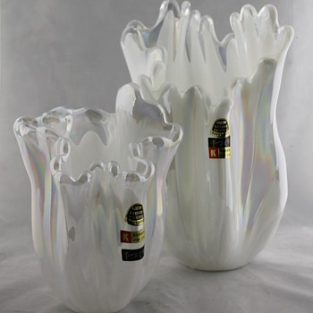 Kurata 1950s frilly pair - Art Glass